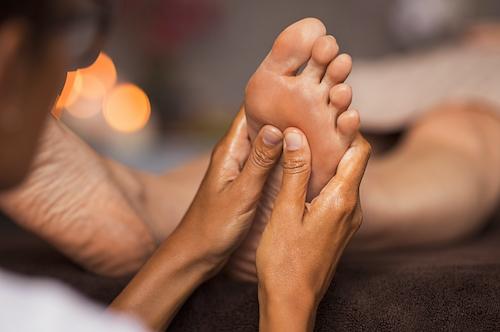 Traitement des pieds en clinique